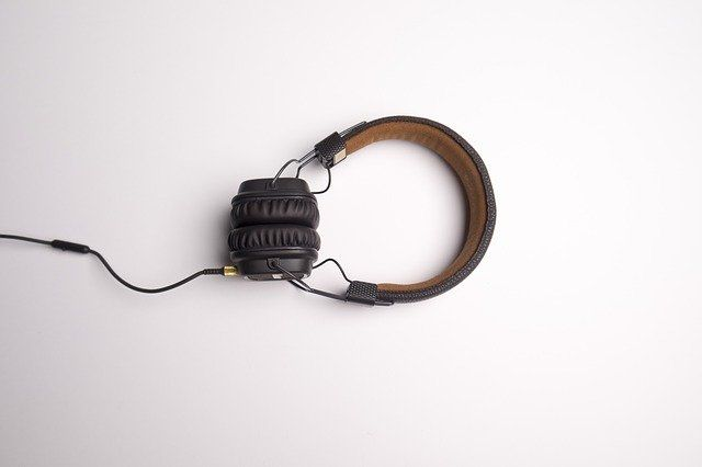 headphone-1868612_640.jpg